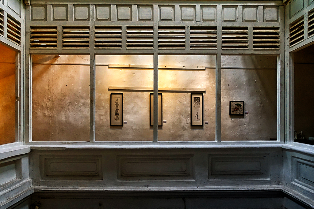 beautiful-gallery-inside-old-chinese-shophouse-in-penang-malaysia