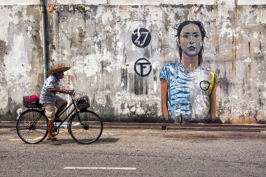 biking-along-the-street-art-of-georgetown-penang