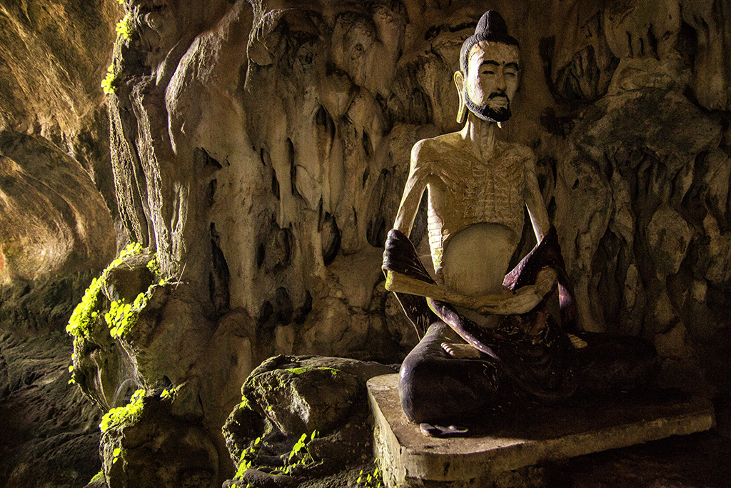 The skinniest buddha statue ever in the Sadan cave near Hpa-an, Myanmar