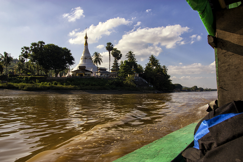Boattrip on the Salween river in Myanmar