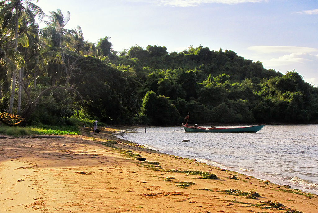 end-of-the-walk-at-rabbit-island-near-kep-cambodia