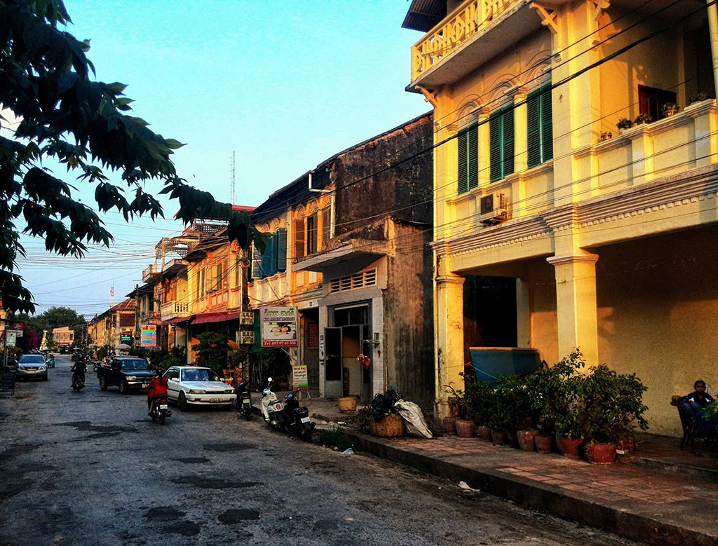 last sunlight in the streets of Kampot, Cambodia