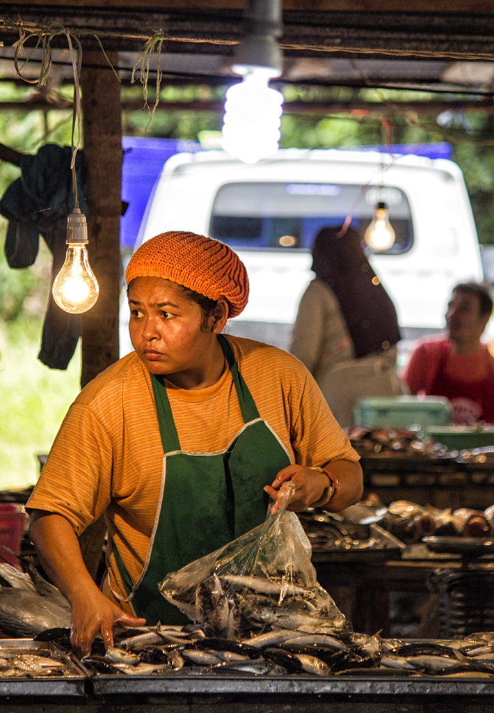 local-muslim-women-selling-their-goods-at-a-market-in-southern-thailand-ii