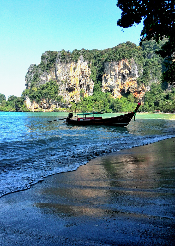 the-limestone-cliffs-of-railay-near-krabi-town